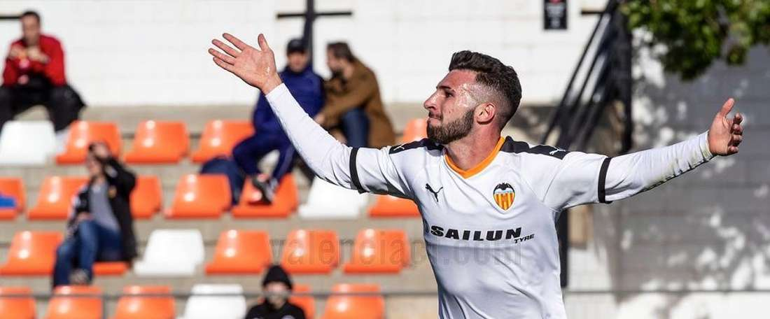 El Valencia logró sumar tres puntos ante el Chelsea. Academia_VCF