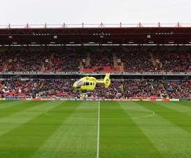 No todos los días se ve un helicóptero aterrizar en un campo de fútbol. BarnsleyFC