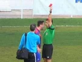 Un jugador asesta un cabezazo al árbitro en la preferente valenciana. Twitter