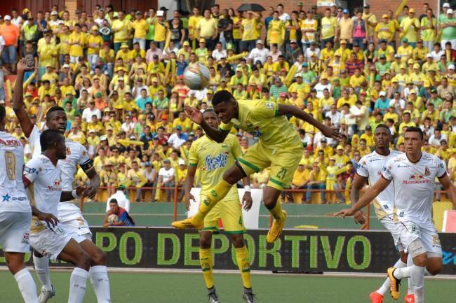 Los 'canarios' remontaron el partido ante los 'pijaos'. AtléticoBucaramanga