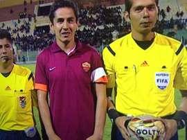 Un jugador de Ciclón, con la camiseta de la Roma. Twitter