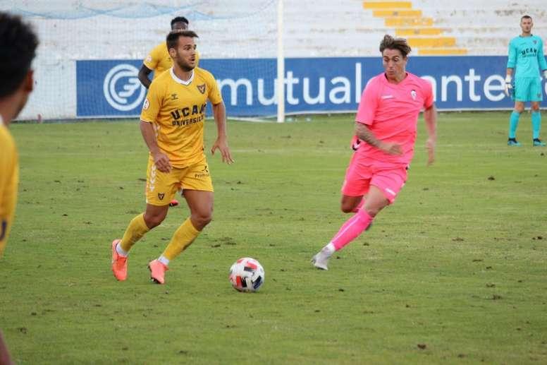Equipos como el UCAM Murcia se someterán a test semanales. Twitter/UCAMMurciaCF