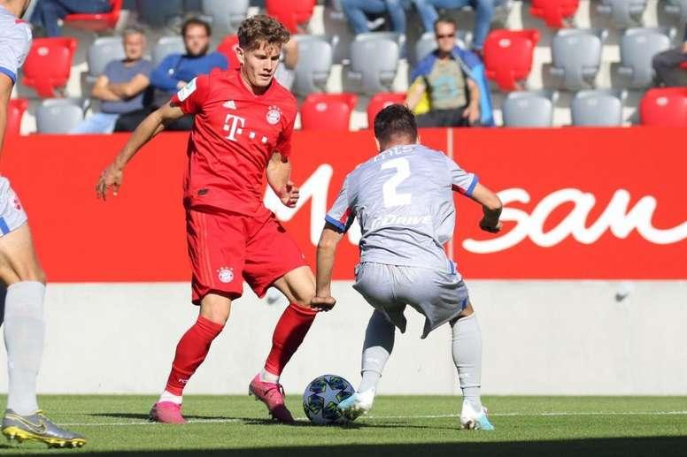 El Bayern no pudo pasar del empate sin goles ante el Estrella Roja. Twitter/FCBjuniorteam