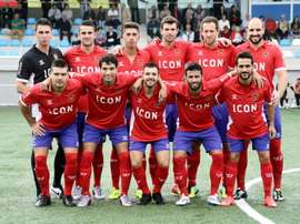 Hugo Sanmartín (inferior, derecha) se ha convertido en nuevo jugador del Coruxo. CDChoco