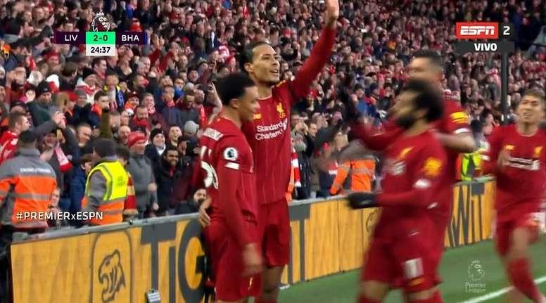 Van Dijk scored two goals in the first half for Liverpool versus Brighton. Captura/ESPN2