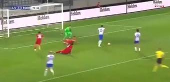 Van Dijk cometió un fallo defensivo que costó el cuarto gol del Hertha. Captura/ElevenSports
