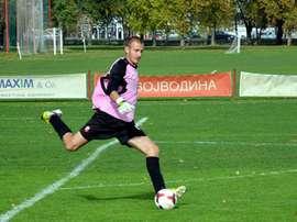 Vanja Milinkovic-Savic, ejecutando un saque de puerta. FkVojvodina
