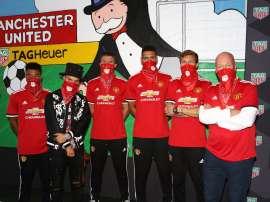 Varios futbolistas del United realizaron un mural en Old Trafford. Twitter/TagHeuer