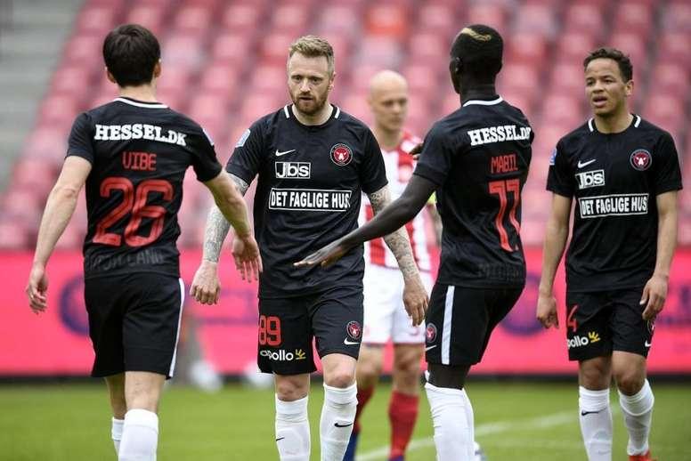 La Liga Danesa quiere jugar con público. Twitter/fcmidtjylland