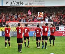 El Mirandés sucede al Pontevedra como campeón del torneo. CDMirandes/Archivo
