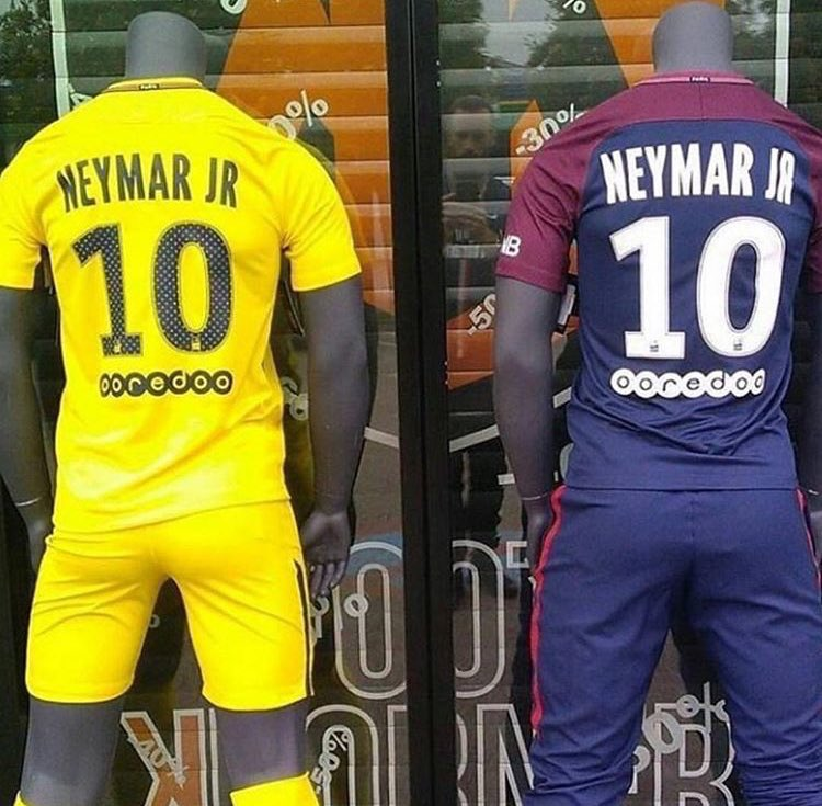 on sale e0610 2b2a1 Neymar's PSG shirt is already on the market! - BeSoccer