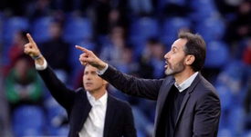 Vicente Moreno repitió parte de la alineación del ascenso a Segunda. EFE