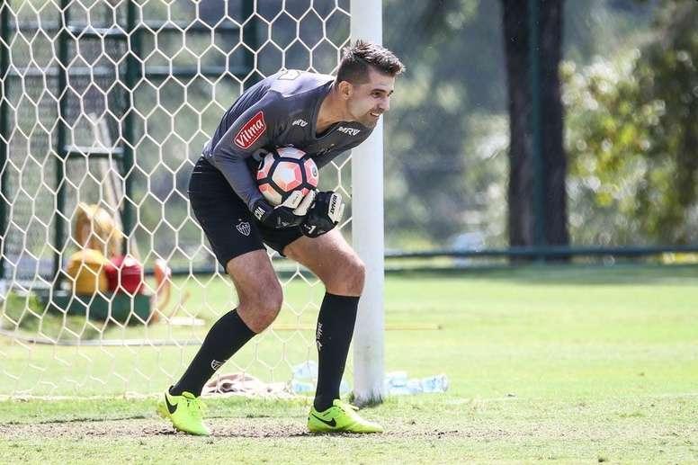 Víctor, titular ante San Lorenzo. Twitter