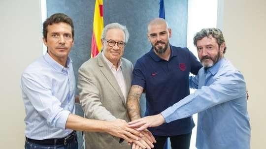 Victor Valdés quitte le club blaugrana peu de temps après son arrivée. FCBarcelone