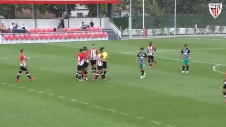 El Bilbao Athletic venció al Racing de Santander en Lezama. Captura/AthleticClub