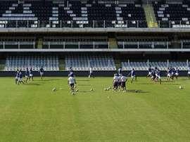 Santos e Botafogo se enfrentarão na Vila Belmiro. AFP