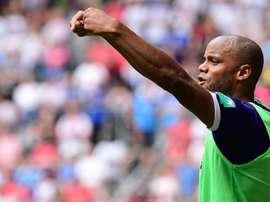 Kompany estreou-se com derrota como técnico-jogador. Anderlecht
