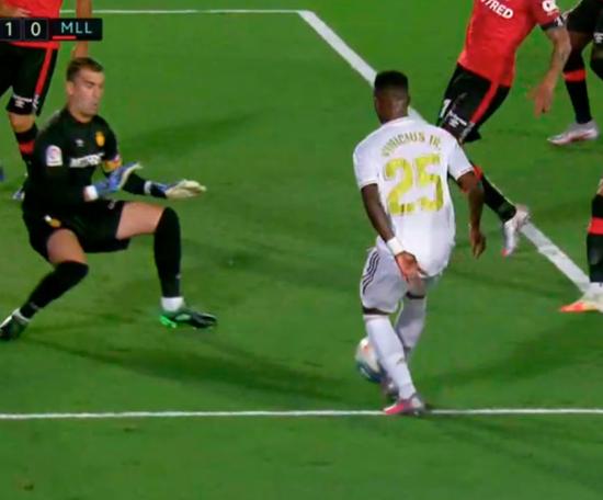 Il goal del vantaggio di Vinicius. MovistarFutbol