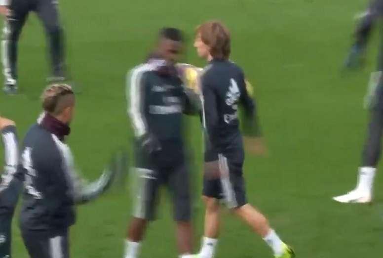 Modric a réalisé un geste étrange. Capture/ESPN