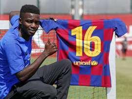 Wagué portera le numéro 16 au Barça. FCBarcelona