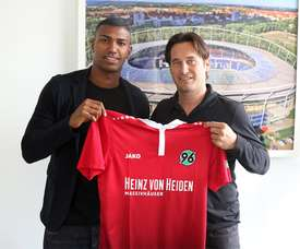 Walace foi apresentado no Hannover 96 e seguirá jogando no futebol alemão. Hannover96