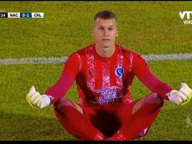 Washington Aguerre celebró el gol en contra de Nacional y luego lo expulsaron. Captura/VTV