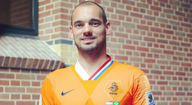 Sneijder recibió este original regalo tras su retirada de la Selección Holandesa. Instagram