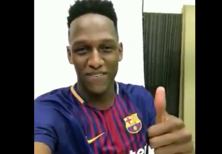 Yerry Mina, muy ilusionado. Twitter/FCBarcelona_es