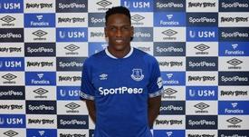 Yerry Mina ha sido el último 'cafetero' en desembarcar en Inglaterra. Twitter/Everton