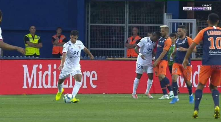 Koné perd ses nerfs et donne un coup de tête à Delort. Capture/beINSports