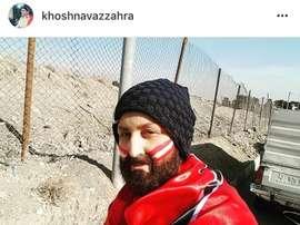 Zahra Khoshnavaz se disfrazó de hombre para ver un partido de fútbol en Irán. Instragram