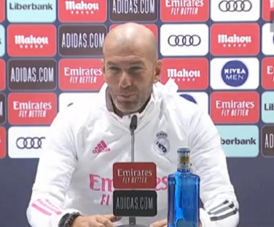 Zidane en conférence de presse d'avant-match. Captura/RealMadrid