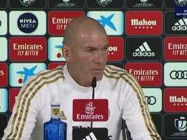 Zidane responde perguntas polêmicas. Capturas/RealMadrid