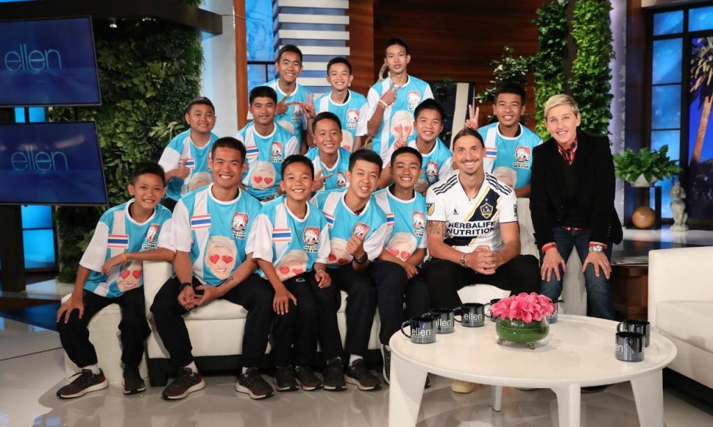 Zlatan Ibrahimovic sorprende a niños rescatados de cueva en Tailandia