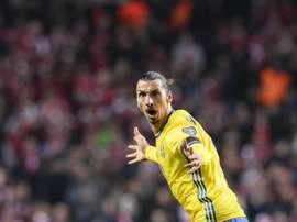 Zlatan Ibrahimovic celebra su segundo tanto para Suecia, que dejaba sentenciado la eliminatoria contra Dinamarca. Twitter