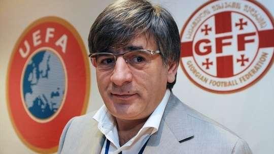 Zviad Sichinava anuncia su dimisión como presidente de la Federación de Fútbol de Georgia. UEFA