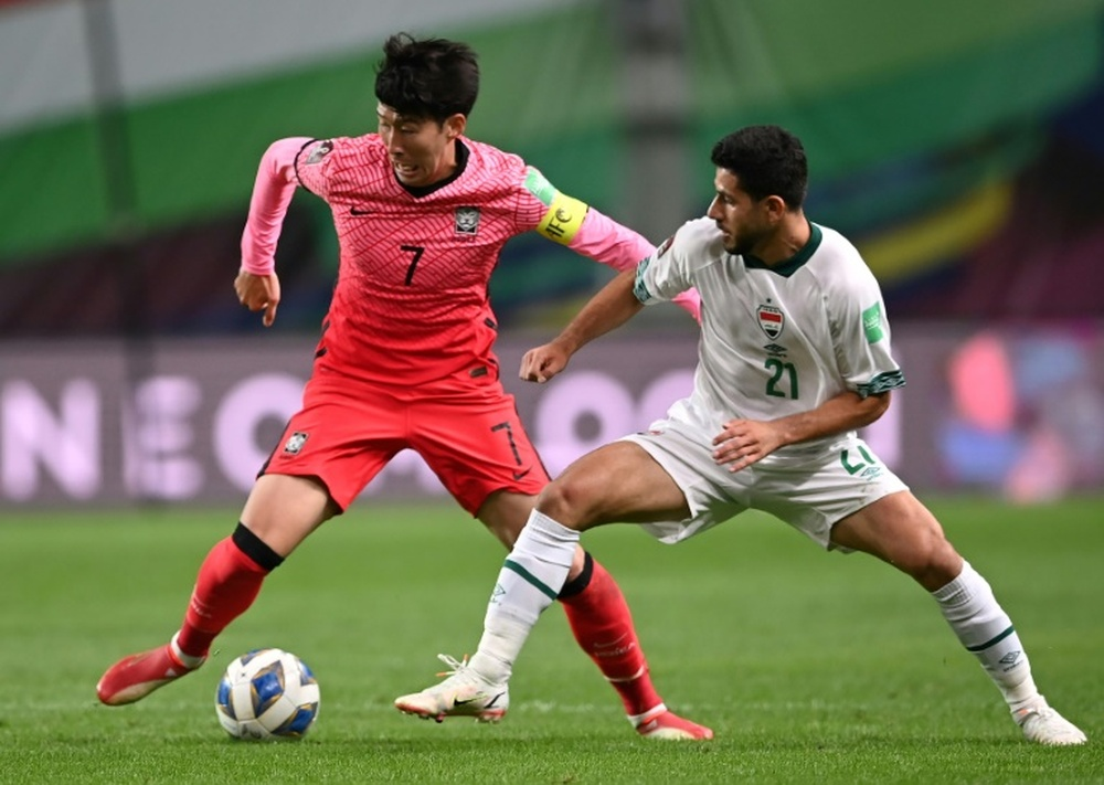 South Korea's Son Heung-min (L) was involved in a 0-0 draw with Iraq. AFP