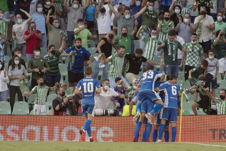 Betis and West Ham get their first wins back at European football. AFP