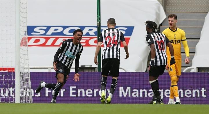 Joe Willock (L) struck to give Newcastle a 2-2 draw v Tottenham. AFP