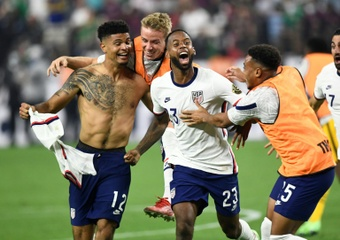 Miles Robinson (L) scored in extra-time to give the USA a 1-0 win in the Gold Cup final. AFP