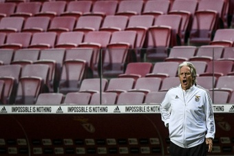 Benfica and PSV continue Champions League qualifying slog