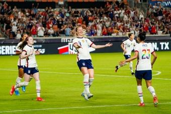 Mewis on target as US extend unbeaten streak. AFP