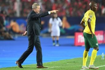 Stuart Baxter's (L) Kaizer Chiefs drew at TS Galaxy. AFP
