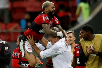 Brazilian clubs leave Copa Libertadores rivals in their wake