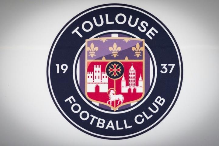 Ligue 2: le leader Toulouse chute pour la première fois contre Caen.