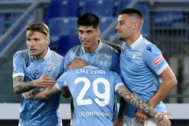 Milan chute chez la Lazio 3-0 et glisse au classement. AFP