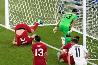 CSC plus fort que Ronaldo... Anthologie des buts contre son camp. AFP