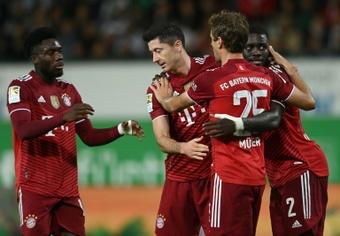 Allemagne: le Bayern consolide sa première place, Pavard voit rouge.