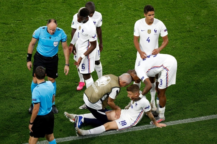 Examens médicaux pour Digne et Hernández et blessures de Lemar et Thuram. AFP