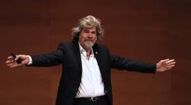 El alpinista Reinhold Messner Premio Princesa de Asturias de los Deportes 2018, en la conferencia sobre el encanto de lo imposible, un evento que se lleva a cabo cuando se celebra el 40 aniversario de la primera ascensión al Everest sin oxígeno de la historia, que él mismo protagonizó. EFE